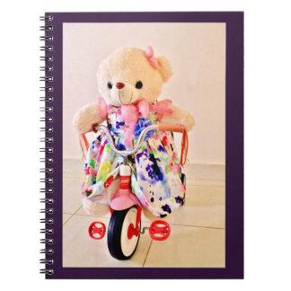 Cuaderno El peluche refiere un triciclo