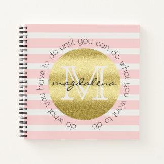 Cuaderno El purpurina de moda del oro del monograma se