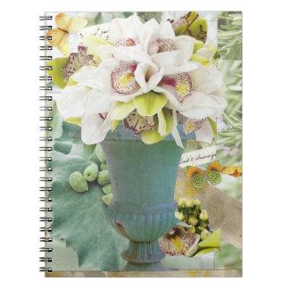 Cuaderno en blanco de las orquídeas