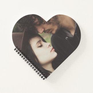 Cuaderno en forma de corazón de la foto de encargo
