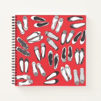 Cuaderno espiral carmesí de los planos del ballet