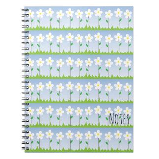 Cuaderno espiral de las flores blancas