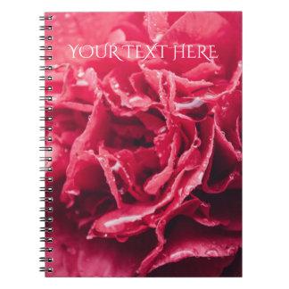 Cuaderno espiral rosado romántico del primer el  