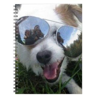 Cuaderno Gafas de sol en el FUTURO BRILLANTE del perro para