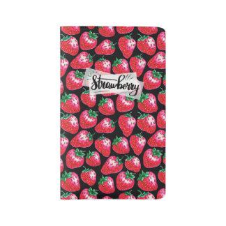 Cuaderno Grande Moleskine Fresa roja en fondo negro