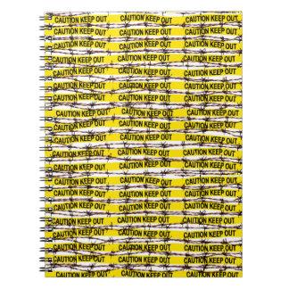 Cuaderno ¡Guarde hacia fuera! Amarillee la cinta y el