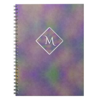 Cuaderno Inicial púrpura del oro de Majenta geométrica