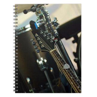 Cuaderno La música de los instrumentos teclea el