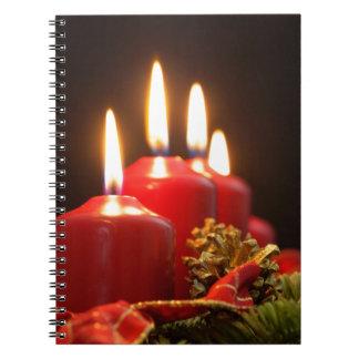 Cuaderno Las velas rojas de un advenimiento enrruellan con