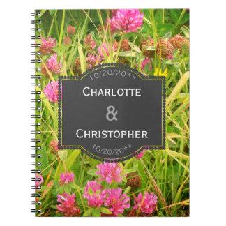 Cuaderno Libro de los planes del boda del trébol rojo y del