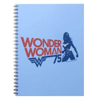 Cuaderno Logotipo rojo y azul del aniversario de la Mujer
