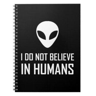 Cuaderno Los extranjeros no creen en seres humanos