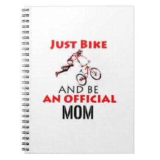Cuaderno mamá de la motocicleta