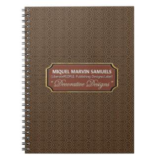 Cuaderno moderno del negro del chocolate del