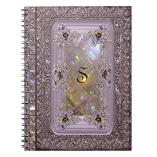 Cuaderno Monograma del Victorian de la lila de Vanfleet