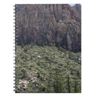 Cuaderno Montaña en la roca roja nanovoltio