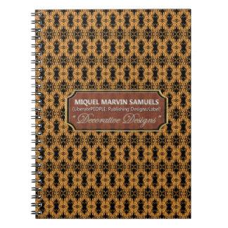 Cuaderno negro de Brown de la multitud de la pluma