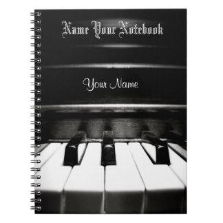 Cuaderno negro personalizado de la música del