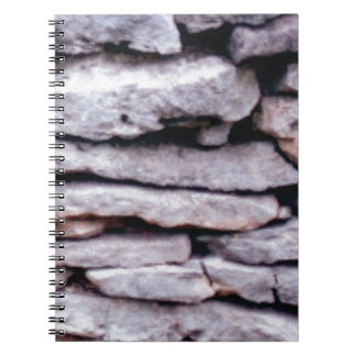 Cuaderno pila de la roca formada
