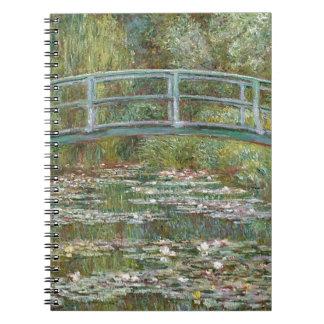 Cuaderno Puente sobre una charca de los lirios de agua