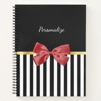 Cuaderno Rayas blancos y negros del arco rojo con clase con