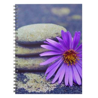 Cuaderno Rocas y margarita