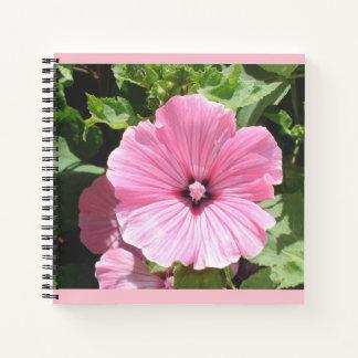Cuaderno rosado de la flor