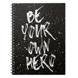 Cuaderno Sea su propia cita (negra) del héroe