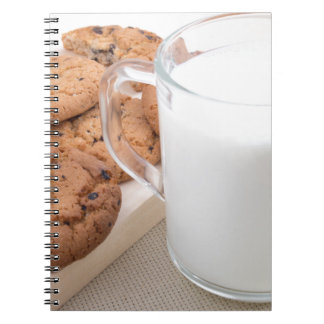 Cuaderno Taza con las galletas de la leche y de harina de