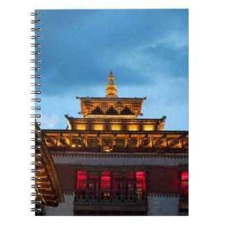 Cuaderno Tejado budista de Dzong