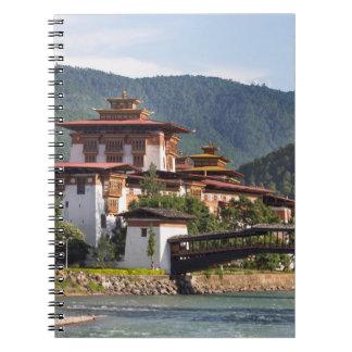 Cuaderno Templo budista por el río