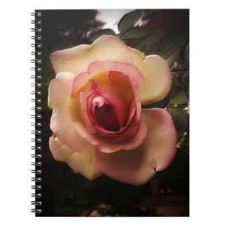 Cuaderno Verano grabado en relieve subió