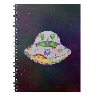 Cuaderno Vienen en el UFO de la paz