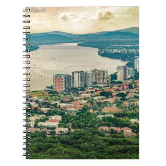 Cuaderno Vista aérea de la cercanía de Guayaquil del avión