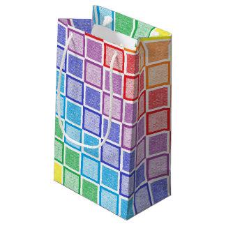 Cuadrados estáticos del arco iris bolsa de regalo pequeña