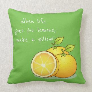 Cuando la vida le da la decoración de la almohada