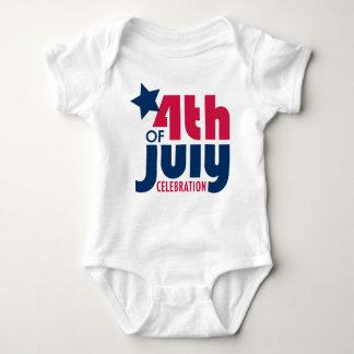 Cuarto de la camiseta de la celebración de julio