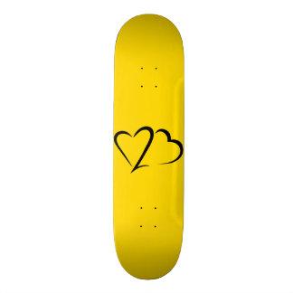 Cubierta amarilla y negra de la marca del corazón monopatín 18,4 cm