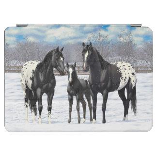 Cubierta De iPad Air Caballos negros del Appaloosa en nieve