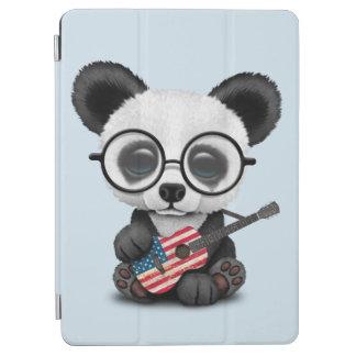 Cubierta De iPad Air Panda del bebé que toca la guitarra de la bandera