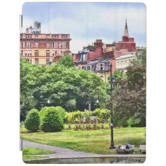 Cubierta De iPad Boston mA - Relajación en el jardín público de