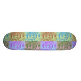 Cubierta en colores pastel del monopatín de la cab