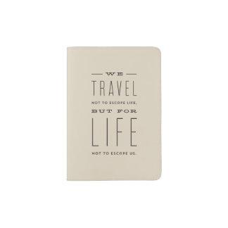 Cubierta moderna del pasaporte del escape portapasaportes