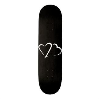Cubierta negra y blanca de la marca del corazón monopatín 21,1 cm