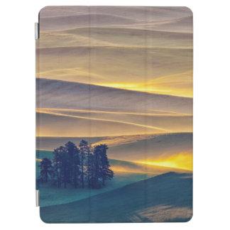 Cubierta Para iPad Air Rolling Hills del trigo en la salida del sol el |