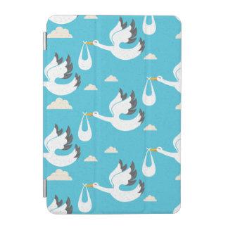 Cubierta Para iPad Mini Cigüeñas lindas que llevan el modelo de los bebés