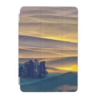 Cubierta Para iPad Mini Rolling Hills del trigo en la salida del sol el |