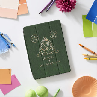 Cubierta Para iPad Pro Libro del verde céltico de las sombras