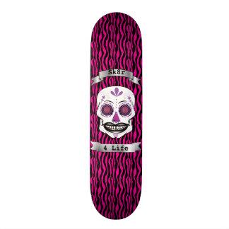 Cubierta púrpura del cráneo del caramelo del texto monopatín 20 cm