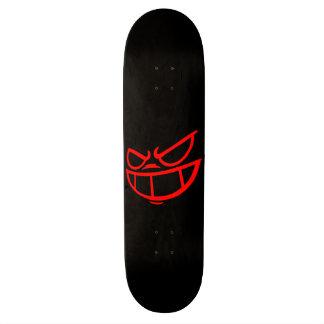 Cubierta roja y negra de la marca fantasma de monopatín 19,6 cm